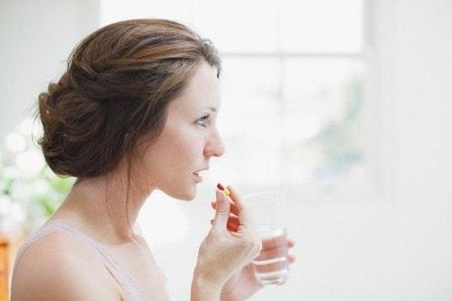 Phụ nữ tuổi 45 nên dùng thuốc thế nào an toàn cho sức khỏe? 1