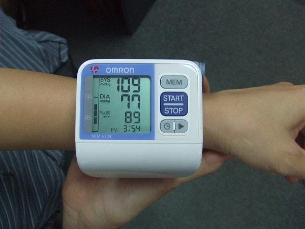 Đo huyết áp tại cổ tay