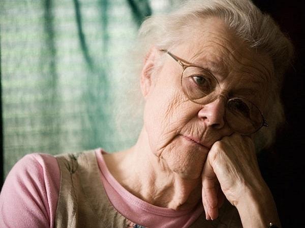 5 bệnh người tuổi thường mắc trong mùa hè