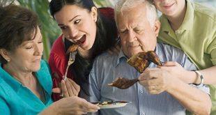 Triệu chứng thường gặp và cách phòng tránh bệnh tiêu hóa ở người cao tuổi