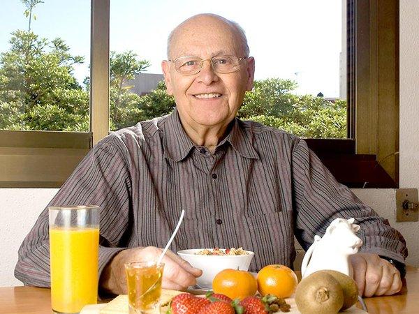 10 thực phẩm cải thiện trí nhớ cho người cao tuổi