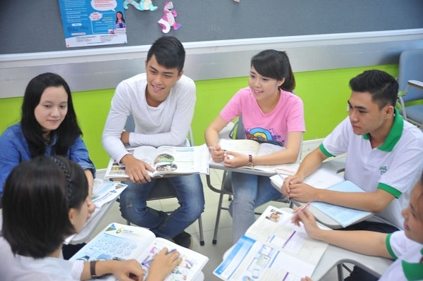 Học nhóm giúp nâng cao kiến thức và tinh thần làm việc tập thể
