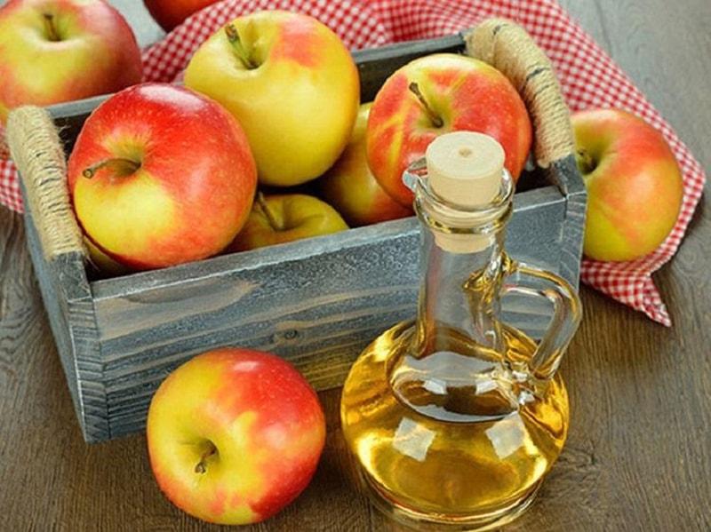 Giấm táo là thực phẩm có khả năng làm giảm sắc tố melanin hiệu quả